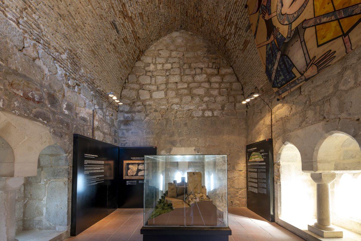 Restos islámicos en la torre de las damas  del castillo Santa Catalina de Jaén /// Islamic remains in the Ladies tower of the castle of Jaen